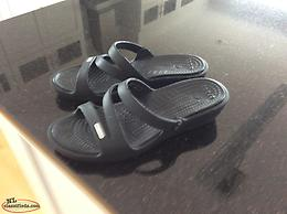 Brand new without tags size 6 Crocs