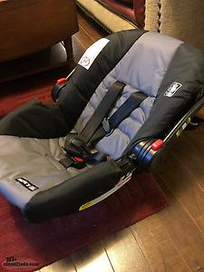 Graco Click Connect Car Seat For Sale!!!!!!