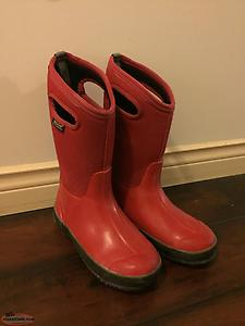 Kids Bogs Boots -Red size 5