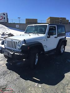 REDUCED**2016 Jeep Wrangler Sport/ 6 Speed Standard