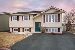 Well Cared For Mount Pearl Home w/ Detached Garage