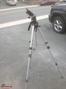 Adjustable camara tri pod