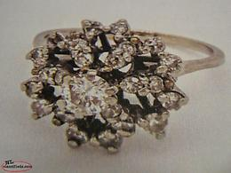 (NEW PRICE) LADIES VINTAGE 18 K WHITE GOLD DIAMOND RING