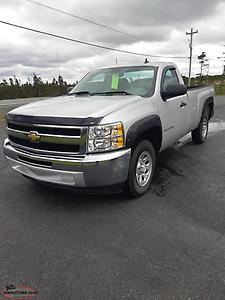 2013 Chev Silverado reg cab long box