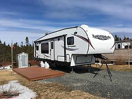 2015 Springdale 32' Fifth Wheel couples Trailer