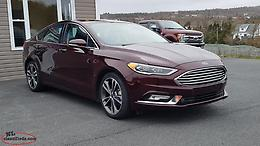 LOW KM's!!! 2018 Ford Fusion Titanium AWD.