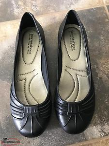 Flats - Town Shoes - Size 8