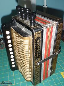 4 stop hohner accordian ( KEY OF G )