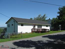 CUPIDS COTTAGE OR YEAR ROUND BUNGALOW LARGE LOT VIEW OF BAY