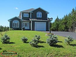 HOUSE FOR SALE ON A LARGE LOT IN FLATROCK