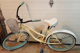 LADIES BIKE IN GOOD WORKING CONDITION