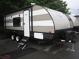 New 2019 Wildwood 20' Lightweight Trailer with Bunks Just $87 Biweekly Tax In!