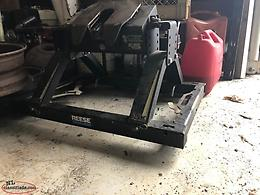 Ford F-250 fifth wheel hitch