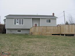 Great Home in Pouch Cove with 5 bedrooms and an In-Law Suite