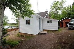Pond Front cabin in Howley,Newfoundland