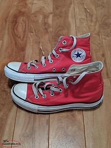 Converse Shoes - Size 6