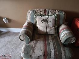 Love seat and chair need gone