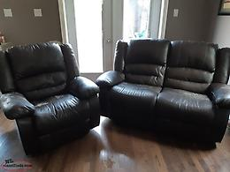 Reclining love seat and chair