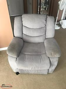 Electric Recliner. Good Shape