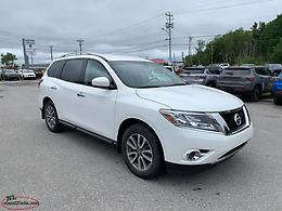 **BLOW OUT PRICE!!**2014 3.5L V6 Nissan Pathfinder SV 4X4