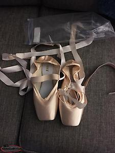 DANCE POINT SHOES !!!