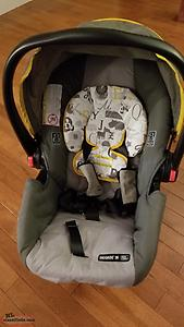 Graco Snug Ride 30 Car Seat with Base