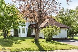 Swansea St :Executive 4 Bedroom Home, Great Location, $439,000!!