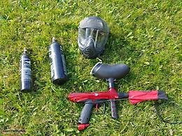 Paintball gun set