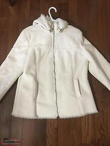 Beautiful Mint White Faux Fur Lined Winter Woman's Coat..Size 10-12