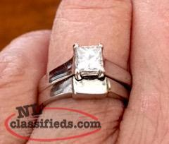 Beautiful White Gold Princess Cut Glacier Fire Diamond Ring Set