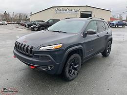 2015 Jeep Cherokee Trailhawk **Under 60,000 Kms**