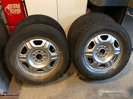 "CRV 16"" wheels and 215/65/16 Dunlop winter tires"