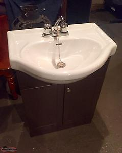 Pedestal and Cabinet sink