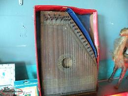 we deliver, Antique NL Zither Lap harp