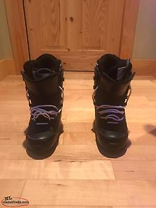 Excellent Condition Snowboard Size 9.5