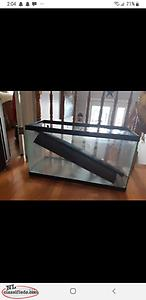 25 gallon fish tank with tons of accessories