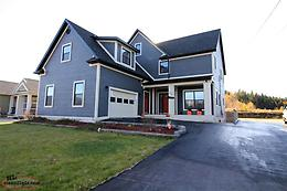 Gorgeous Large family home in Great location in Deer Lake,NL