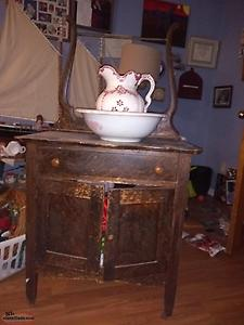 Antique washstand Jug and basin