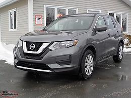 2017 Nissan Rogue AWD with Only 71k!