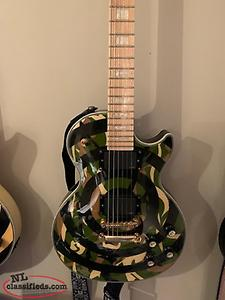 Zakk Wylde Camo Bullseye Epiphone with Hard Shell Case
