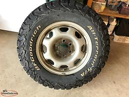Winter tires and rims 265/70/R17