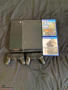 PS4 with 2 game and 2 Controllers