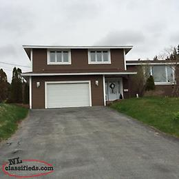 Beautiful 4 bdrm home with amazing oceanview in Sunnyside