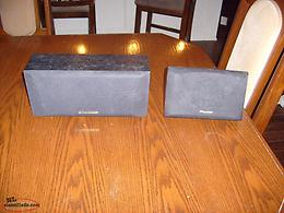 PIONEER Centre channel speakers $10 both and a JBL $40