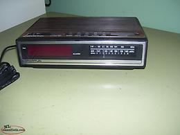 am-fm clock radio