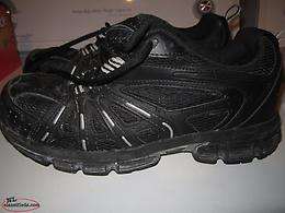 Men's safety shoe size 10