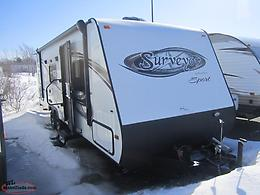 2013 Surveyor SP260 Lightweight Travel Trailer. Only 4900 lbs! $89 Biweekly!