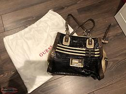 Guess Tote Style Purse + Dust Bag