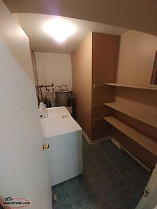 Knowling St, 1 BR Basement Apt