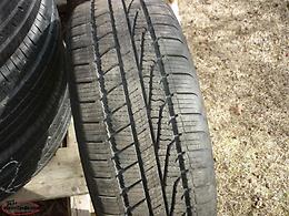 1 16IN. BRIDGESTONE V-STEEL RIB 265 LOAD RANGE E TRUCK TIRE LT245/75R16